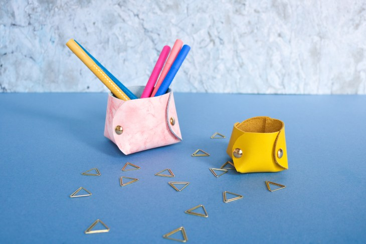 DIY // Fabriquer des vide-poches en cuir // How to make leather holder // A Cardboard Dream blog