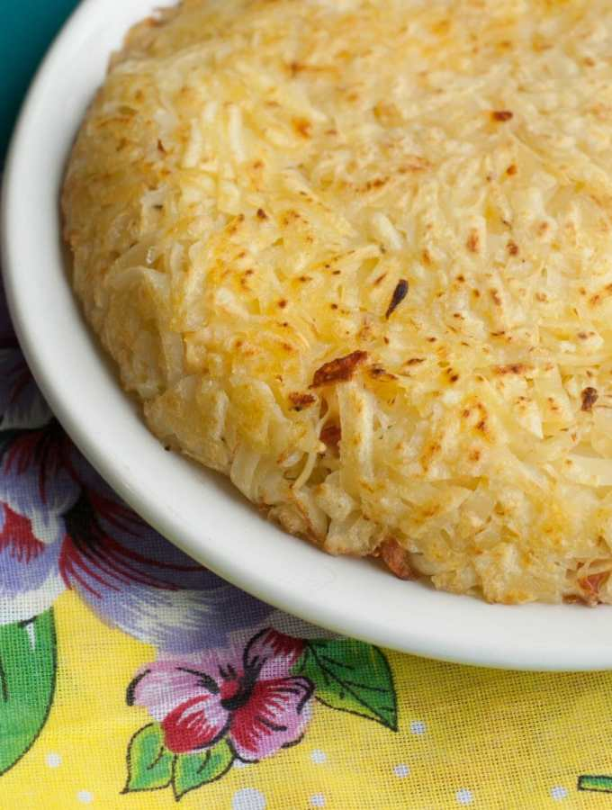 Batata Rostie recheada de bacon, queijo e vegetais