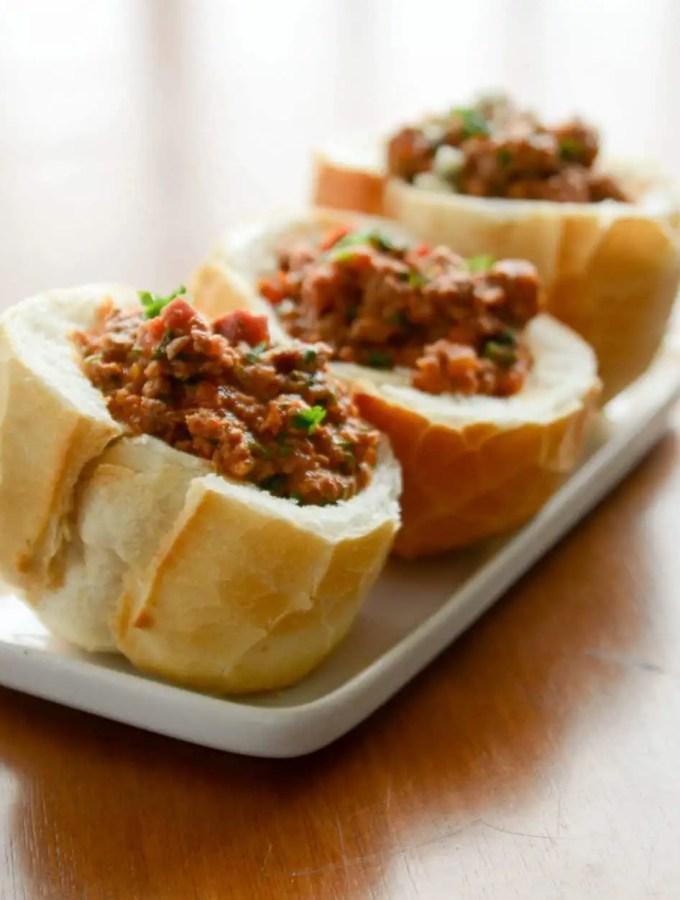 Buraco Quente – O pão com carne moída mais gostoso do mundo!