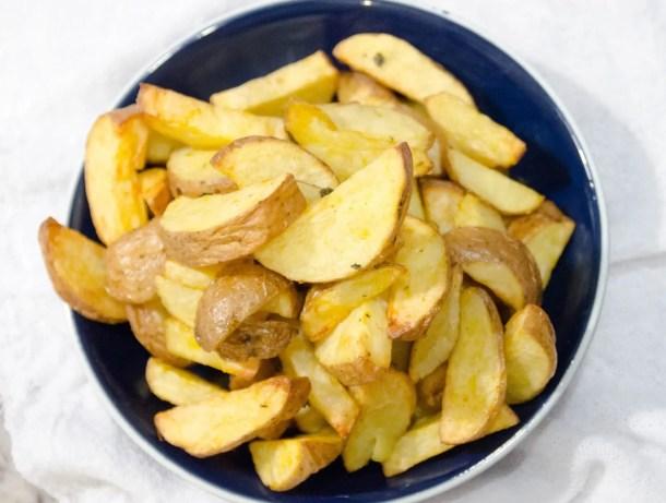 receita de batata frita crocante e sequinha feita na airfryer