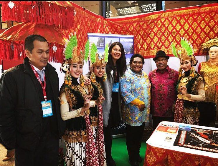 Feria vYVA Chile ACBV Travel Bloggers Indonesia Paulina Vallejos Balibuta