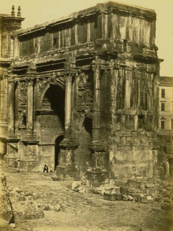 Robert MacPherson (Scozia, 1811-1872), Arco di Settimio Severo (Arch of Septimius Severus), Roma, 1850 ca. Albumen silver print, 40.3x30cm (15% x n1 3 /i6 in.).