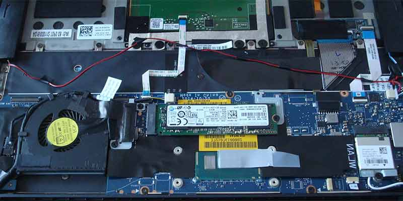 Dell XPS 13 Ultrabook hardware, battery and connections