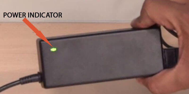 A green or blue light show if the charger is receiving a electrical current