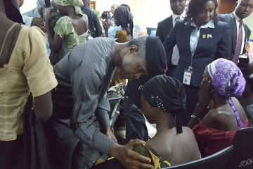 vp meets released chibok girls