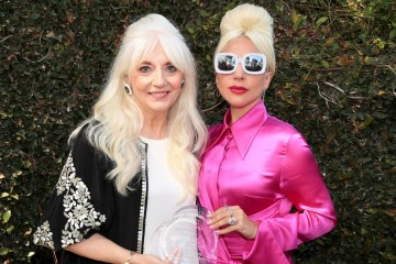 lady gaga and her mother cynthia germanota