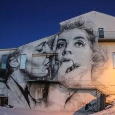 mural ladies