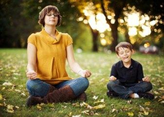 meditando madre e hijo