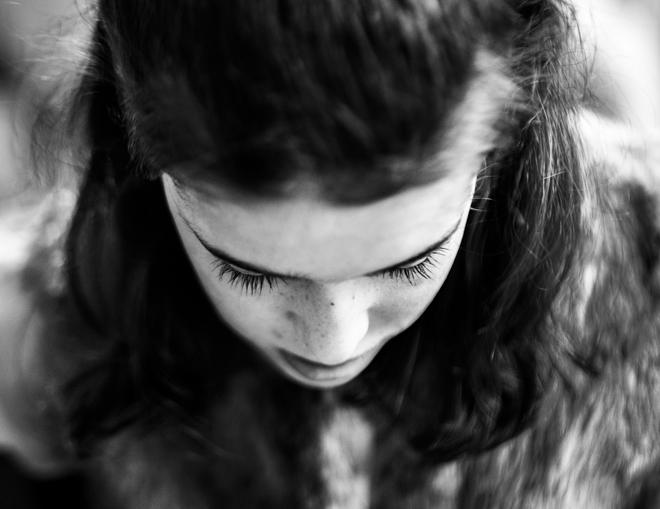 La lucha de la pequeña Carlota contra una enfermedad ultra rara