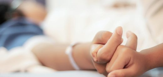 Urge cambio de enfoque en cuidados paliativos