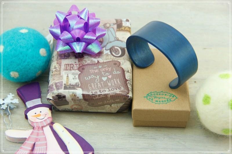 Artesanía Bejarano accesoriosmadera_pulsera-madera-azul-1 Regala artesanía estas Navidades Noticias