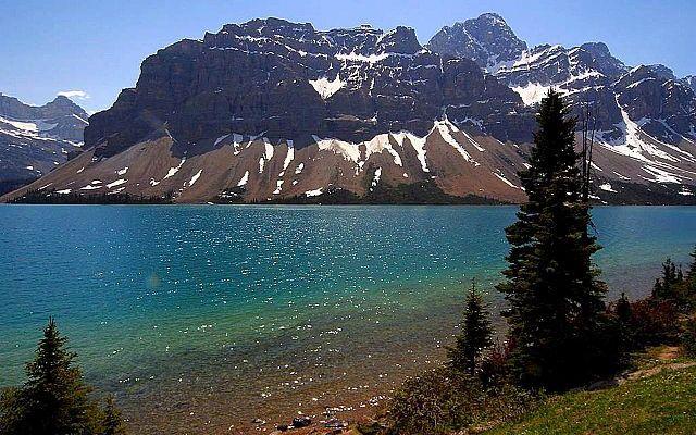 mountain lake jasper canada