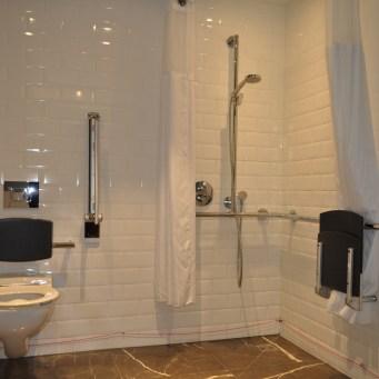 Hilton bathroom accessible