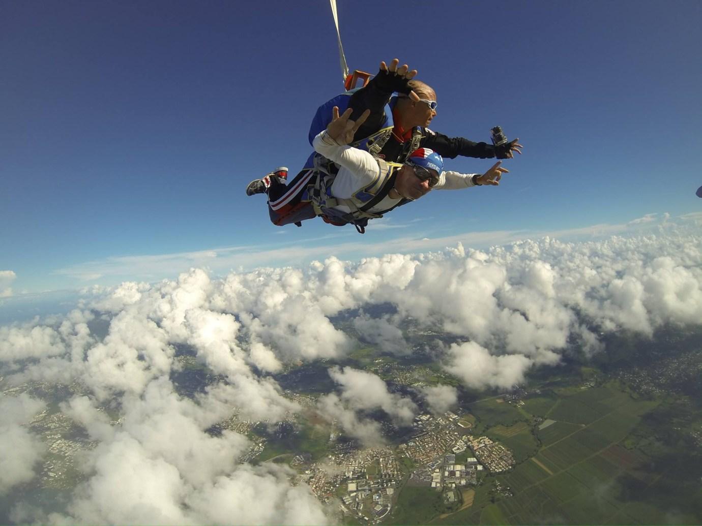 martinique parachute
