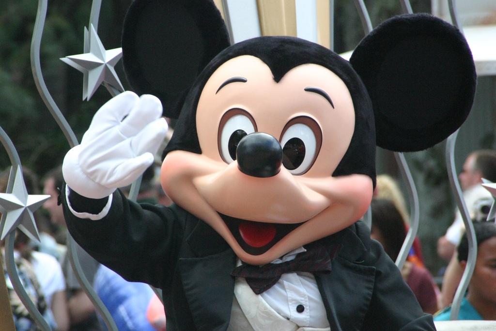 mickey mouse disneyland usa