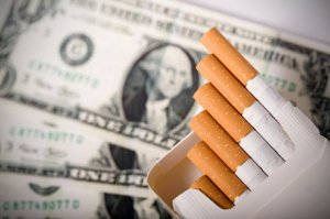 Cigarette_smoking_costs_t751x500