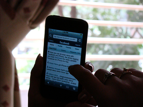 Protecting Minors On Social Networks
