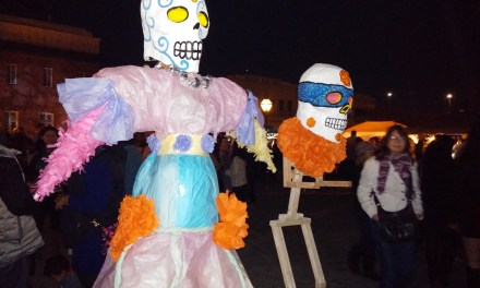 VIDEO: In Old Sacramento, Hundreds Celebrate the Day of the Dead
