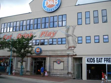 20090724_dave_and_busters_front