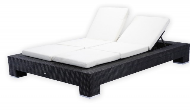 Double Chaise Lounge Outdoor Wicker