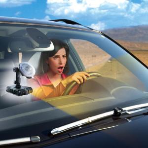 caméra boite noire femme voiture