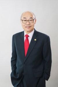 張朝光先生