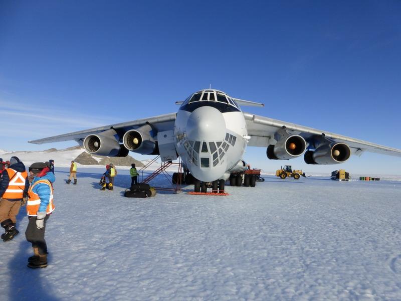 IL-76 Union Glacier