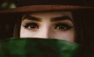 How to Choose the Right False Eyelashes