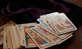 5 Reasons To Consider Tarot Readings As Life-Changing