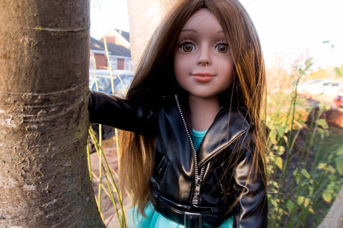 I'M A GIRLY Fashion Doll Review: A Gorgeous Doll for Tweens - #AD