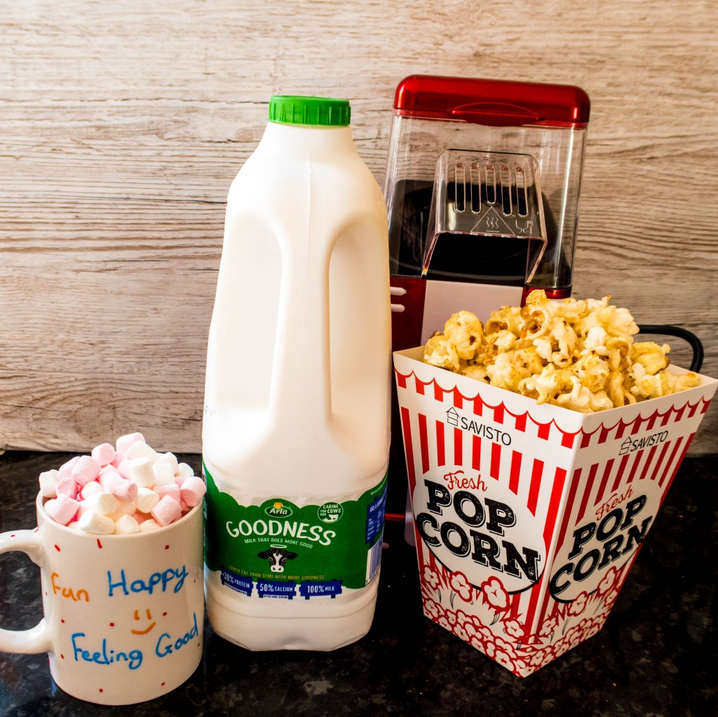 Arla Goodness, popcorn and hot chocolate with Marshmallows