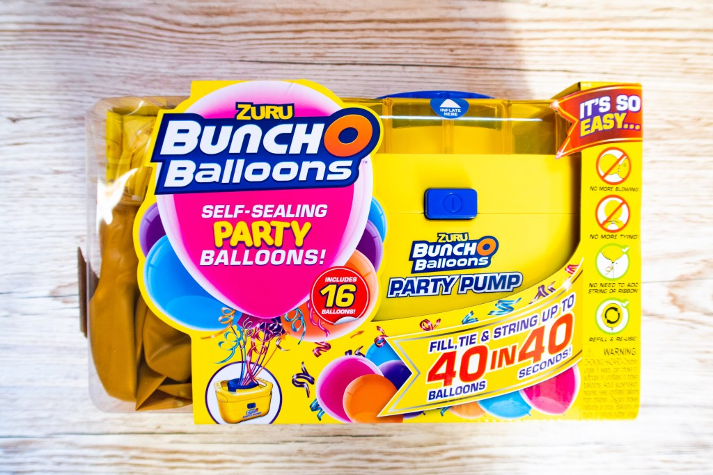 Bunch O Balloons yellow pump in the packet with yellow balloons included