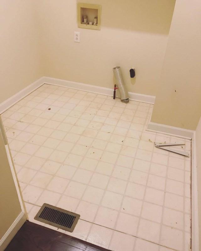 installing groutable vinyl tile