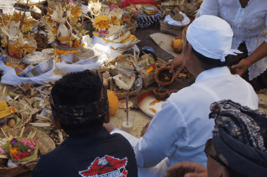 image-of-balinese-hindu-cremation-ceremony