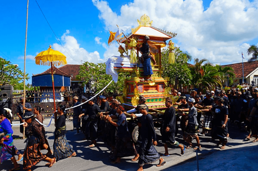 image-of-balinese-cremation-procession
