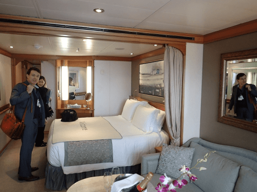 Image-of-Norwegian-cruise-line-suite