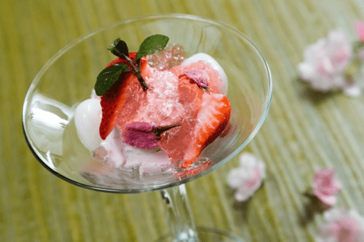 Food-sagano-New-World-Millennium-Hong-Kong-sakura-kaiseki-sakura-ice-cream-with-strawberry-shirakawa-and-jelly