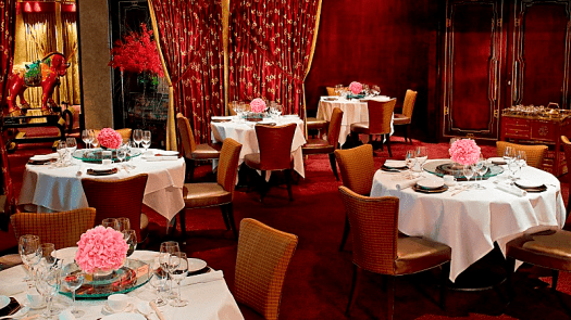 Image-of-3-Michelin-Tang-Court-Chinese-restaurant-in-Hong-Kong