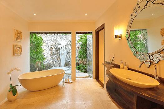 Image-of-Villa-Kubu-Deluxe-One-Bedroom-Bathroom