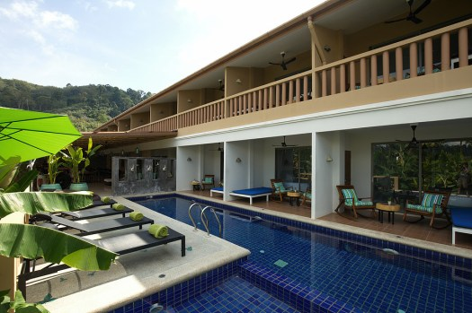 Thailand-life-co-pool