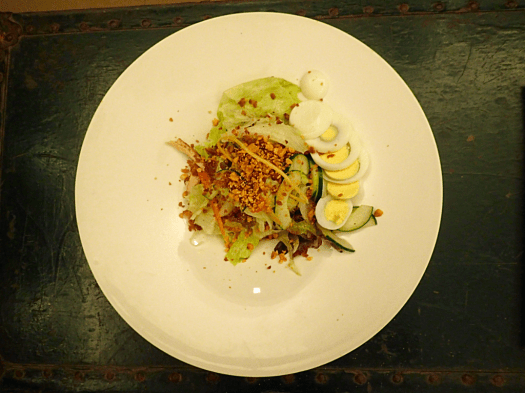 garden-salad-hunt-restaurant-coron-philippines
