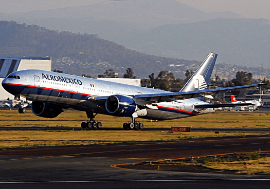 Mexico-aviatioin-Boeing_777-2Q8-ER,_AeroMexico_credit_Andre_Du-pont
