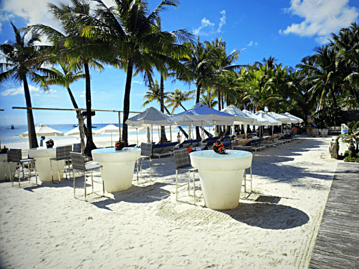 image-of-beach-front-cafe-in-boracay