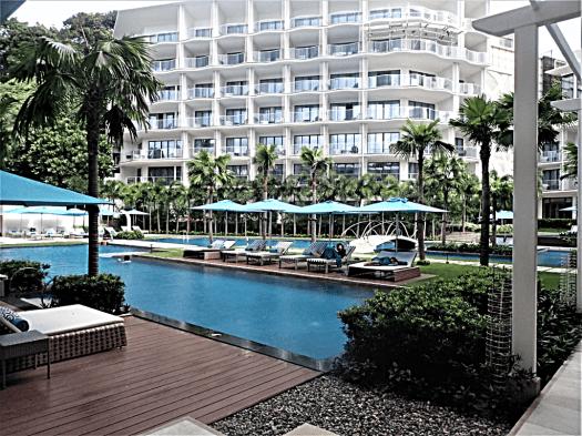 courtyard-swimming-pool-@-lind-hotel-boracay-island-copyright-www.accidentaltravelwriter.net