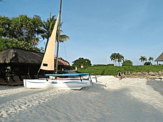 beach-@-shangri-las-mactan-resort-philippines-copyright-www.accidentaltravelwriter.net