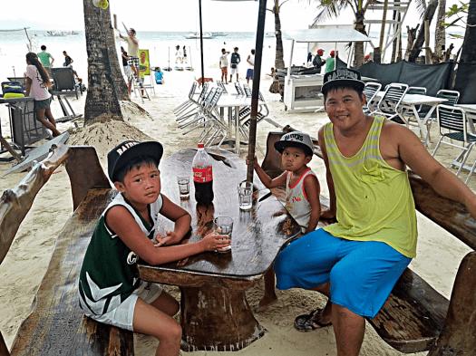 white-beach-cafe-customers-credit-www.accidentaltravelwriter.net