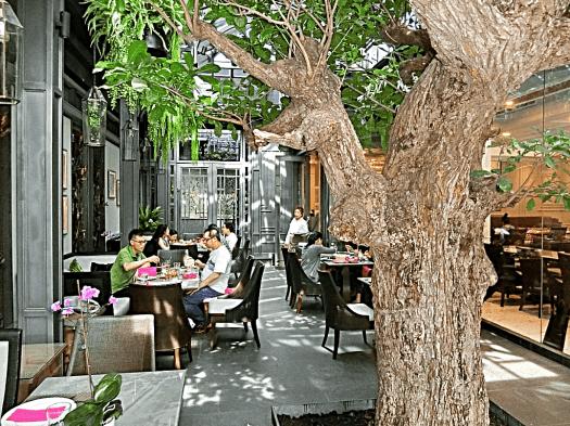 lady-l-garden-birso-in-Bangkok-credit-www.accidentaltravelwriter.net