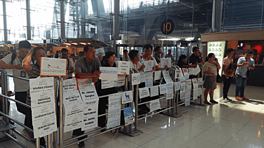 bangkok-international-airport-greeters-credit-www.accidentaltravelwriter.net