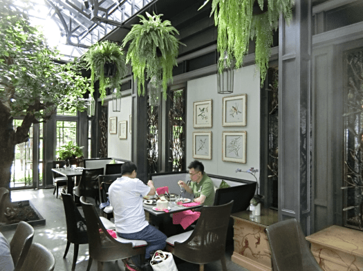 Thailand-bangkok-restaurant-lady-l (14)