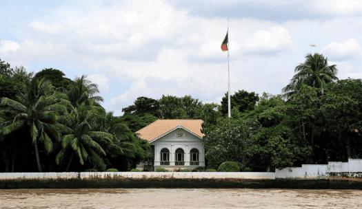 Thailand-bangkok-river-cruise-Embassy_of_Portugal_Bangkok_Takeaway
